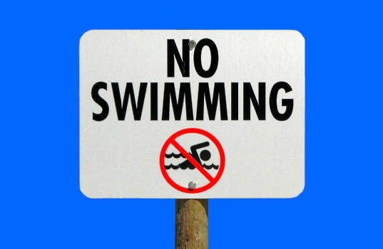 Image of common swimming pool rules